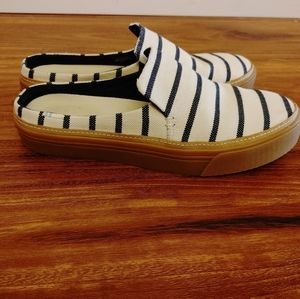 EUC Toms Sunrise striped mule slip on